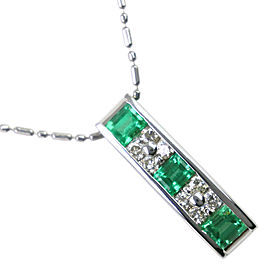 Platinum/Emerald/diamond Necklace