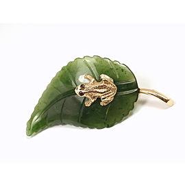 14K Yellow Gold Frog Carved Green Jade Leaf Vintage Brooch Pin