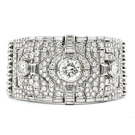 1930s Magnificent 60 Carat Platinum Diamond Bracelet
