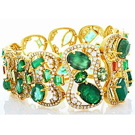 44.10 Carat Total Emerald Cut Emerald and Diamond Bracelet in 18 Karat Gold