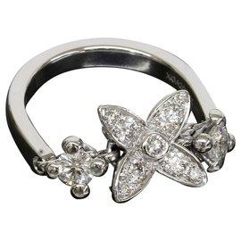 Louis Vuitton 18K White Gold Monogram Diamond Ring