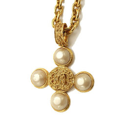 Chanel 94A Gold Tone Pearl Necklace