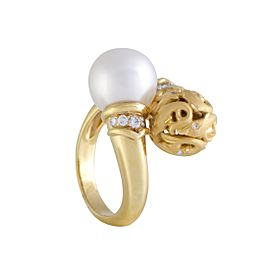 Carrera y Carrera 18K Yellow Gold Diamond and White Pearl Dolphin Ring Size 6.25