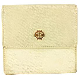 Chanel Ivory Calfskin Leather Compact Button Line Wallet 826cas78