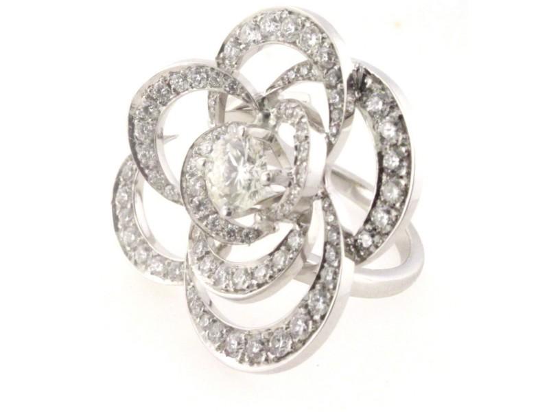 18K White Gold Diamond Flower Ring