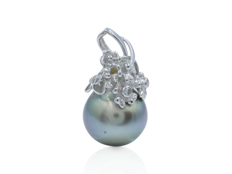 Black Tahitian Pearl Pendant in 18K White Gold with Diamond Floral Motif 0.03cts
