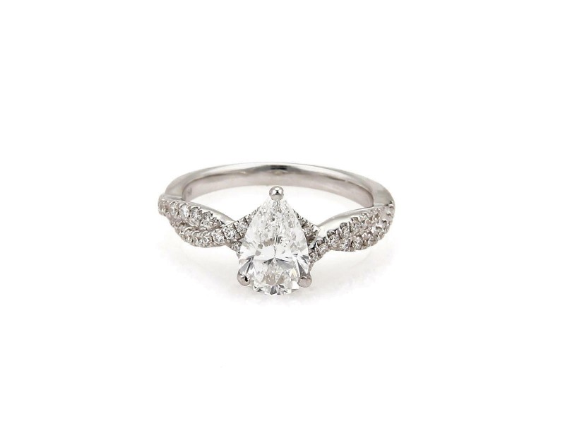 Diamond Solitaire 1.35ct Pear Cut w/Accent 18k Gold Engagement Ring D VS2 GIA
