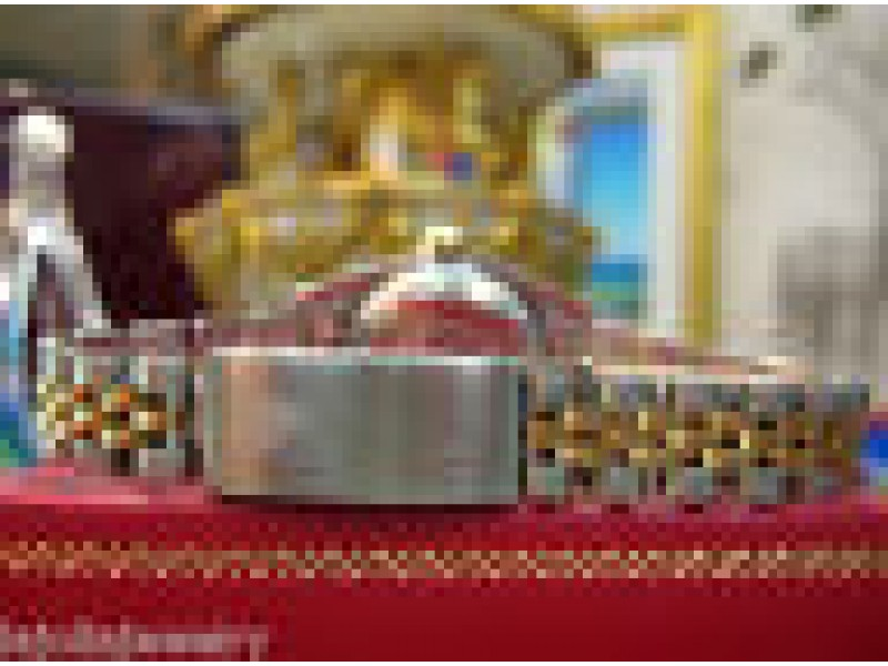 LADIES ROLEX OYSTER PERPETUAL DATEJUST 18K DIAMONDS
