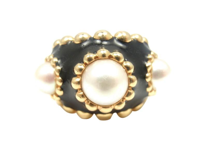 Chanel 18K Yellow Gold Black Enamel Pearl Ring