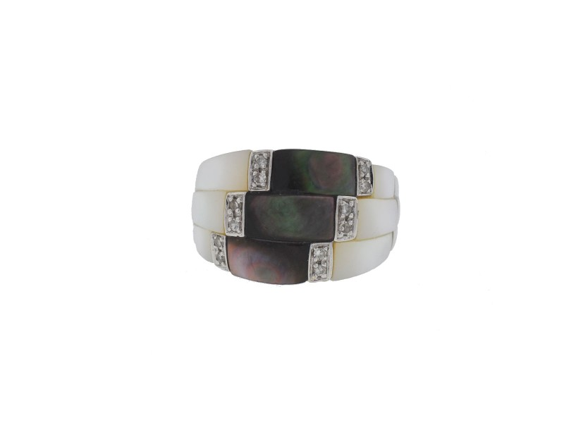 18K White Gold with Mother of Pearl and Diamond Ring
