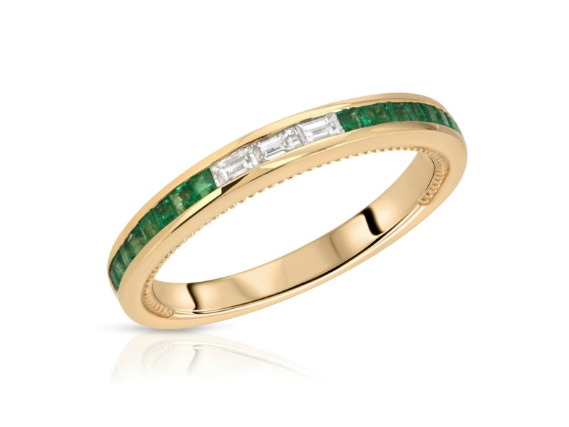 0.44 CT Colombian Emerald & 0.15 CT Diamonds in 18K Yellow Gold Band Ring