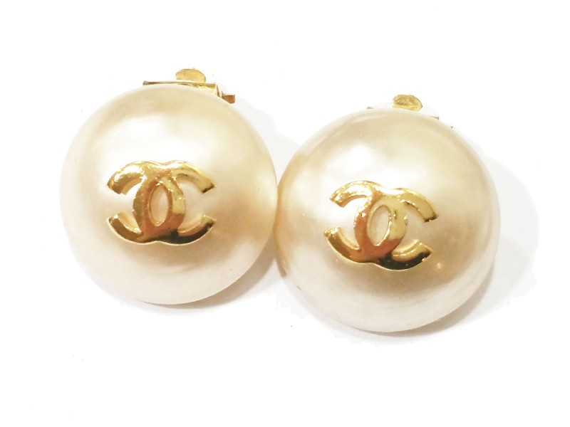 Chanel CC Gold Gumball Simulated Glass Pearl Clip On Earrings