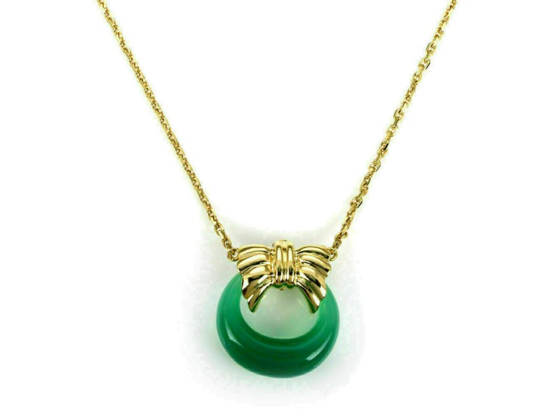 Van Cleef & Arpels Green Onyx 18k Yellow Gold Wreath Pendant