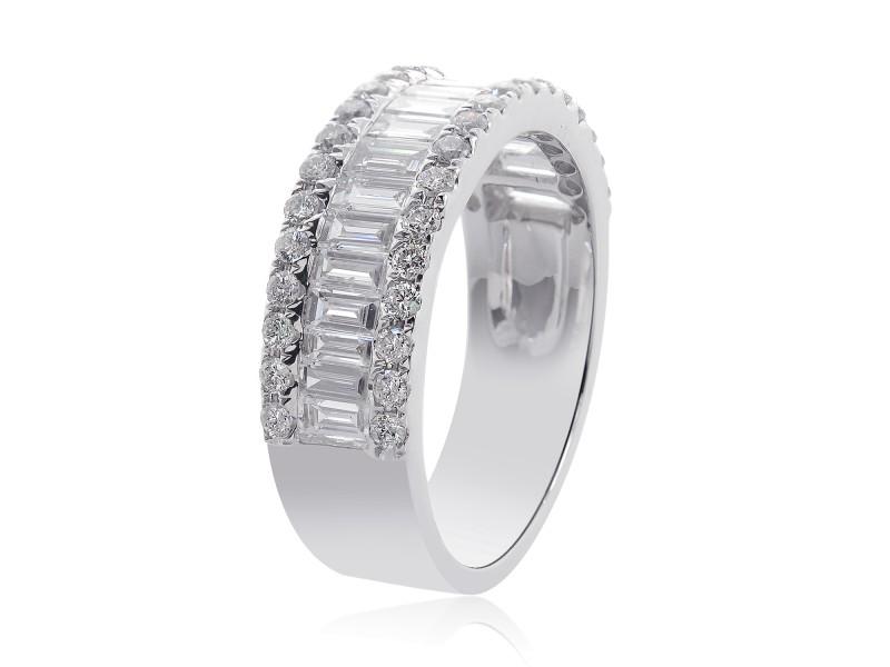 14K White Gold Round & Baguette Cut Non Enhanced Diamond Wedding Ring