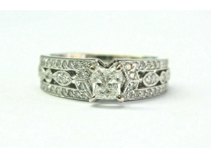 18Kt Princess & Round Cut Diamond White Gold Milgrain Engagement Ring 1.13Ct