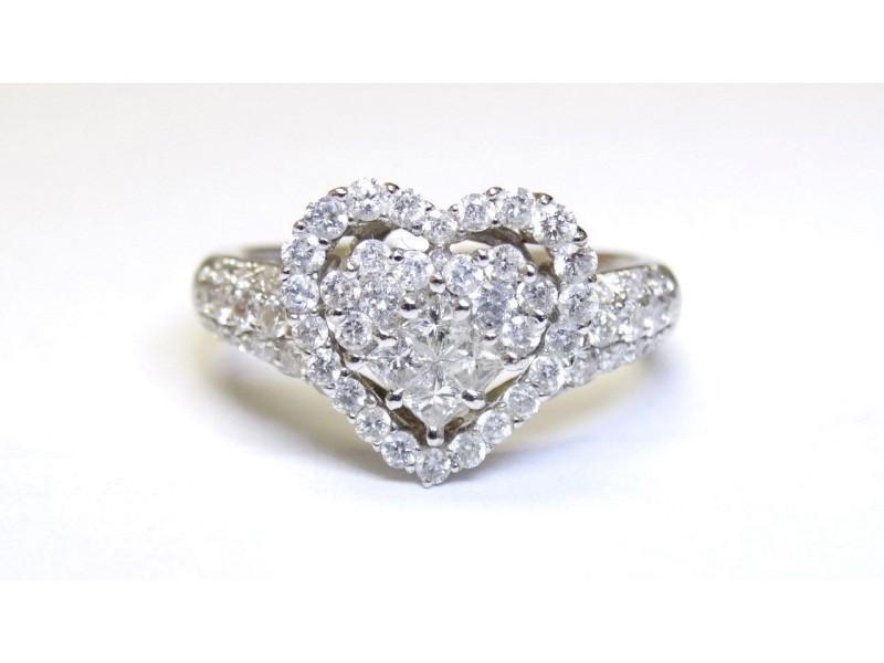 18K White Gold Diamonds Engagement Ring