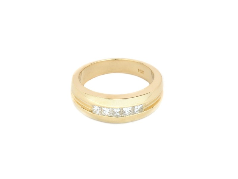 14K Yellow Gold Diamonds Band