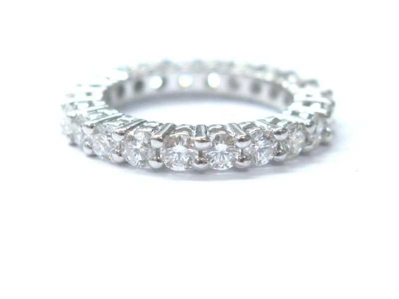 14K White Gold Round Cut Diamond Eternity Band Ring
