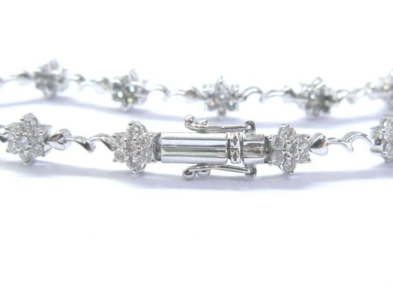 18K Round Cut Diamond White Gold Flower 13-Stationary Tennis Bracelet