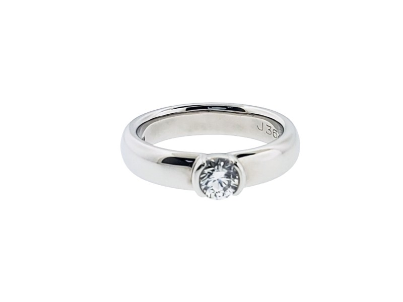 Tiffany & Co Etoile .36 carats Diamond Platinum engagement ring with certificate
