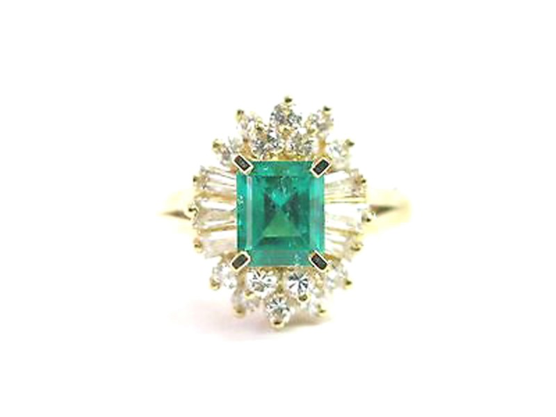 14K Yellow Gold Diamond & Green Emerald Ring
