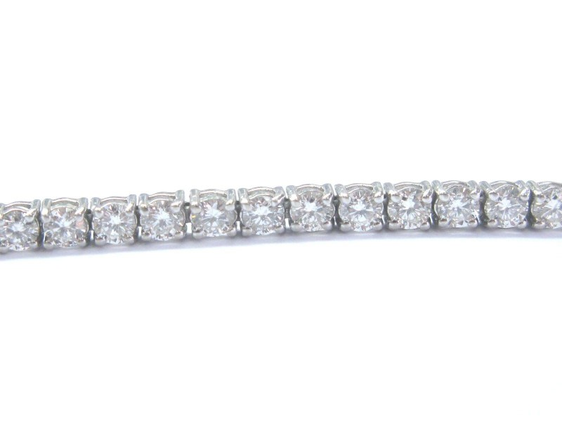 White Gold 4-Prong Round Cut Diamond Tennis Bracelet