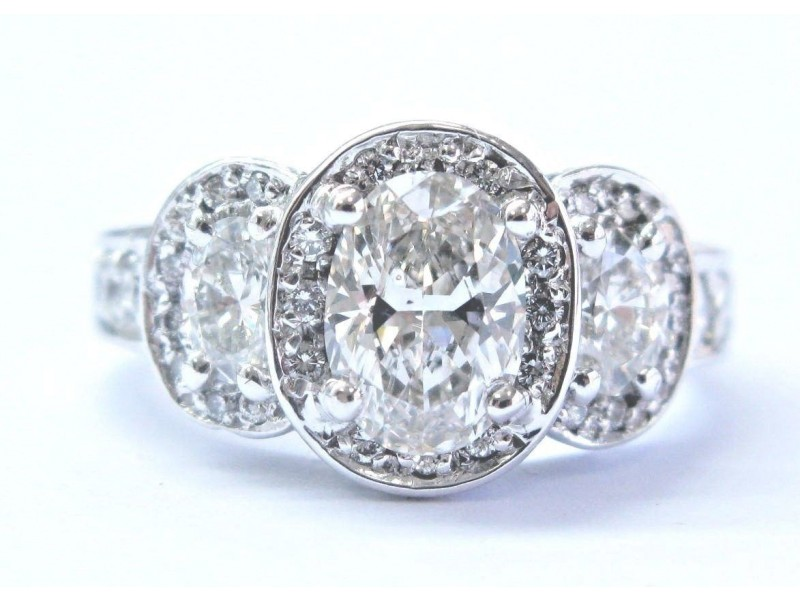 Gregg Ruth 18K White Gold 2.22CTW Three Stone Oval Diamond Engagement Ring Size 6.5
