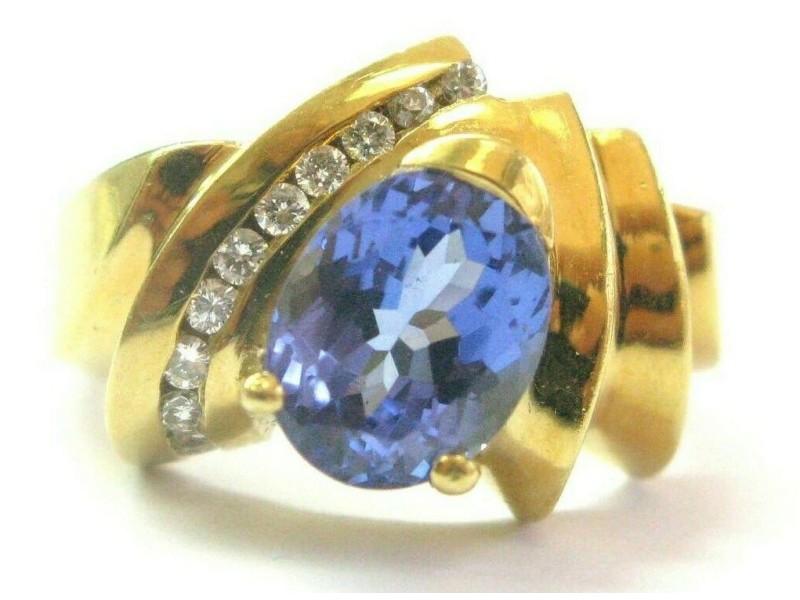 Oval Tanzanite & Diamond Ring 18Kt Yellow Gold AAAA/VS 2.56Ct + .20Ct SIZEABLE