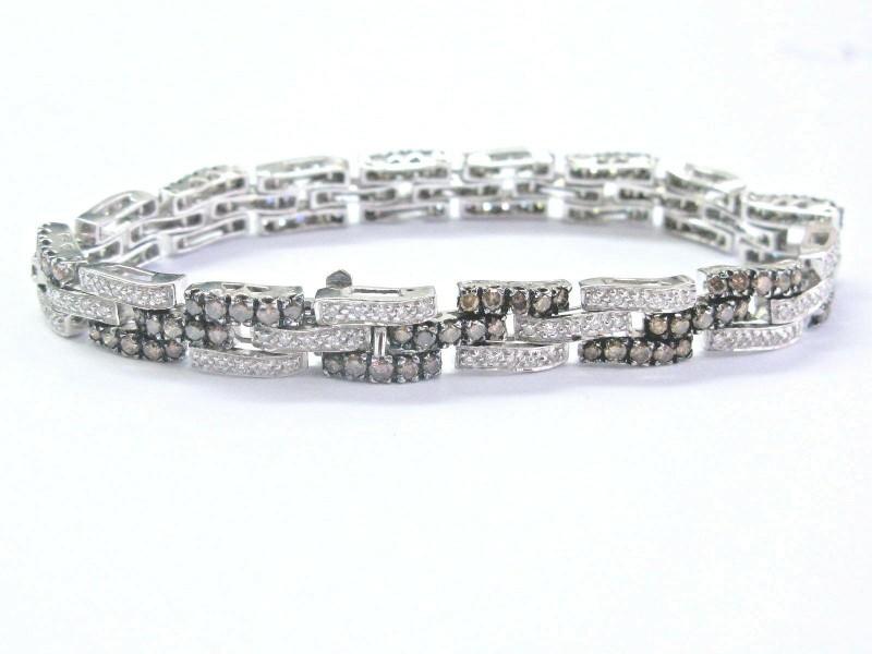 18Kt Round Brilliant Diamond Multi Color White Gold Tennis Bracelet 3.26Ct