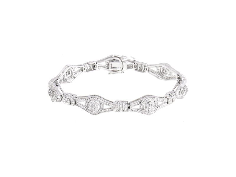 Superior Craftsmanship Figure Eight 18k White Gold Diamond Bracelet