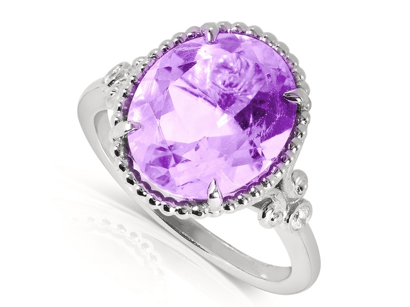 Oval-Shape Lavender Amethyst  and Diamond  Ring 4 Carat (ctw) in Silver with 14k Gold Plated Silver - 11.0