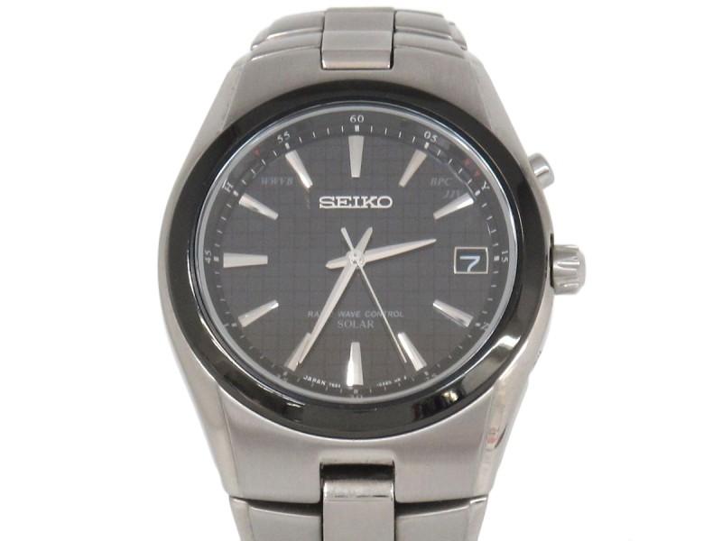 Seiko Radio Wave Titanium  Mens 39mm Watch