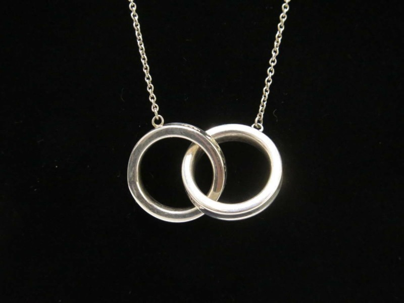 TIFFANY & Co. silver interlocking double ring necklace