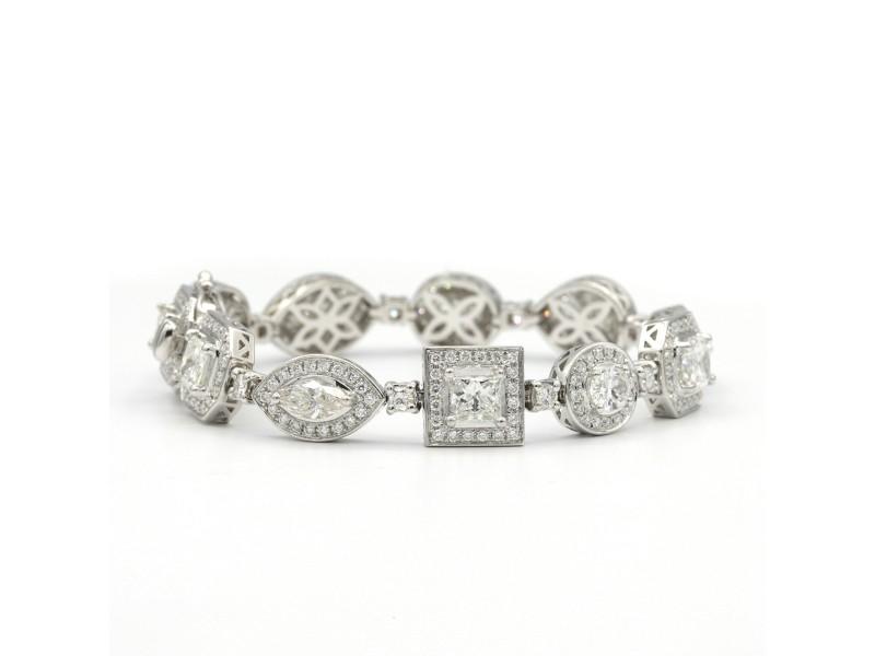 8.19 Carat Of Mixed Shapes Of White Diamonds In 18 Karat White Gold Bracelet