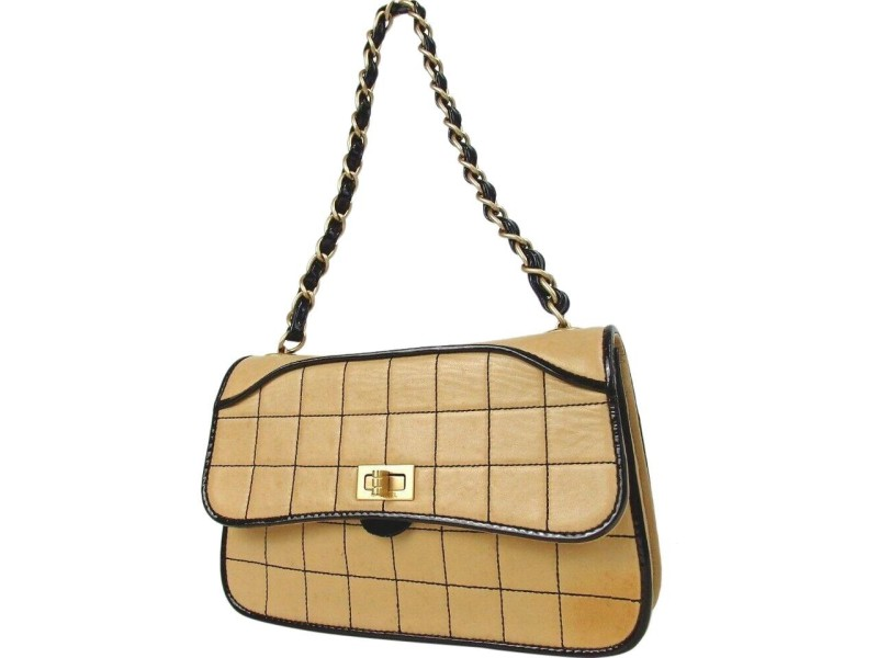 Chanel 2.55 Reissue Quilted Chocolate Bar Chain Flap 872403 Beige Leather Shoulder Bag