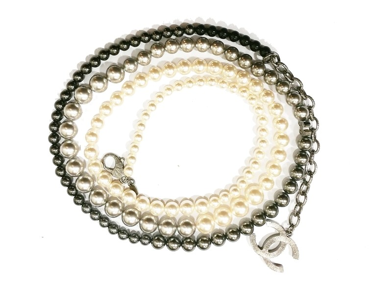 Chanel Ombre Simulated Glass Pearl Necklace