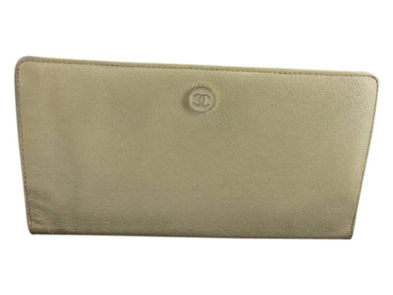 Chanel White Beige Caviar Button Line 219449 Wallet