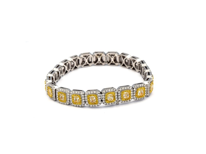 5.36 Carat 21 Stone Radiant Shaped Fancy Diamonds With White Diamonds 18 Karat