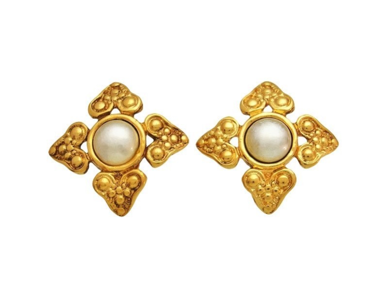 Chanel CC Logo Gold Tone Metal Simulated Glass Pearl Flower Earrings