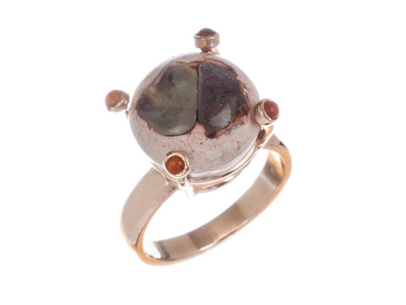 Alberto Juan 14 kt Gold Mexican Opal Cabochon Ring