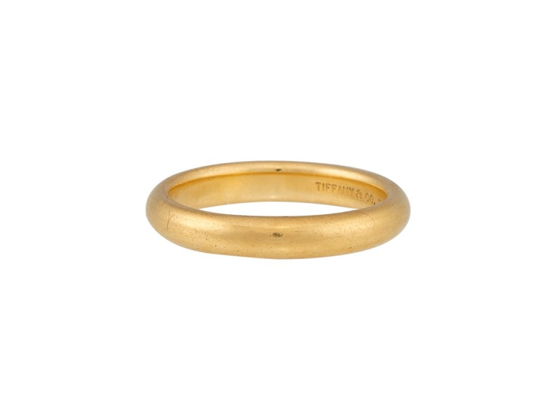 Tiffany & Co. Classic Wedding Band 18K Yellow Gold Size 4.5