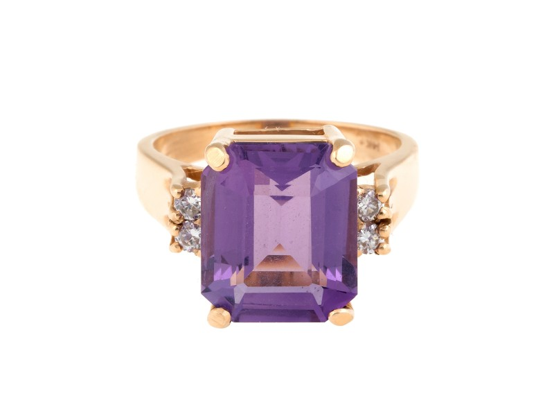 14k Yellow Gold Rectangular Step Cut Amethyst and 0.12ct. Round Brilliant Cut Diamonds Ring Size 5.5