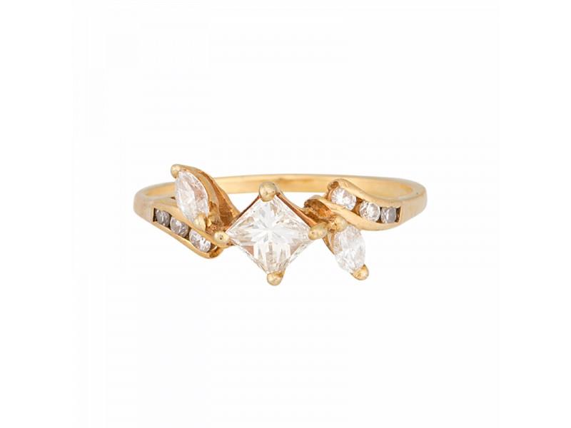 18K Yellow Gold Princess Cut Diamond RingSize 7