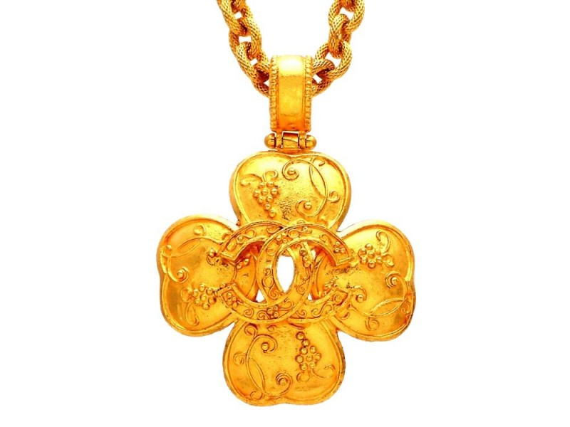 Vintage Chanel Necklace CC Logo Clover Decorative
