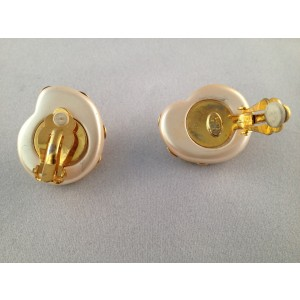 Kenneth Lane Shell 2 Tone Faux Shell Clip-On Vintage Earrings