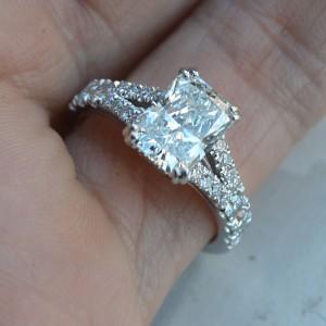 18K White Gold Diamond Engagement Ring Size 6.5