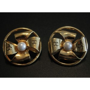 Chanel Vintage Gold Tone Hardware with Glass Simulated Pearl Ribbon Bow Clip on Earrings