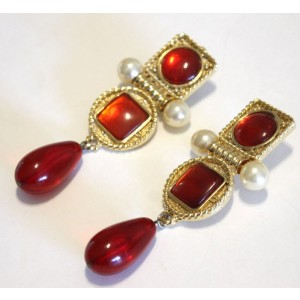 Chanel Gold Tone Hardware Red Gripoix & Simulated Glass Pearl Drop Dangle Clip On Vintage Earrings