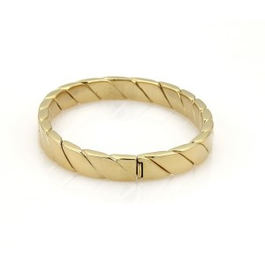 Tiffany & Co. 18K Yellow Gold Oval Hinged Bangle Bracelet