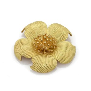 bc1078fe3 18k Yellow Gold Dogwood Large Flower Brooch Pin   Tiffany & Co.   Buy at  TrueFacet